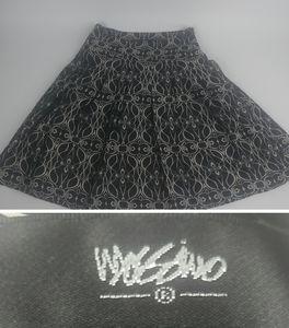 Mossimo Black White A Line Skirt Size 4 Midi